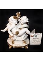 Фарфоровая статуэтка «Ангелочки с виноградом»