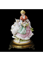 Фарфоровая статуэтка «Пастушка»