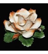 Фарфоровая фигурка-подсвечник «Кремовая роза»