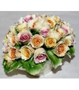 Фарфоровая статуэтка «Букет из роз»