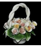 Фарфоровая статуэтка «Корзинка с розами»