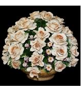 Фарфоровая композиция «Розы с садовыми цветами»