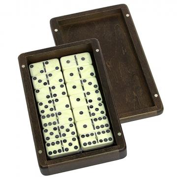 Домино турнирное в деревянной шкатулке размером 20,5х12,5х5 см