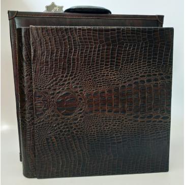 Кожаный фотоальбом «Кроко» в кейсе