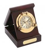 Часы в деревянной шкатулке «Иллюминатор»