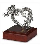 Серебряный сувенир «Сердце с ангелочками»