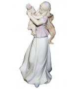 Фарфоровая статуэтка «Мама с маленькой принцессой»