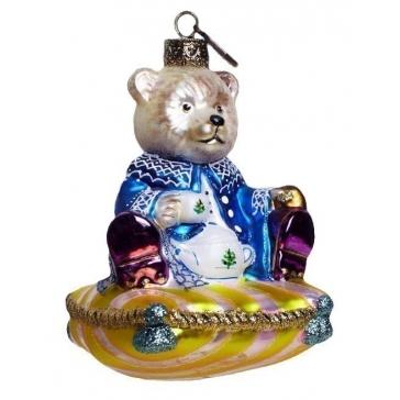 Елочная игрушка тонкой ручной работы «Медвежонок на подушке»