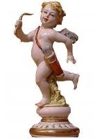 Фарфоровая статуэтка «Ангелочек с луком»