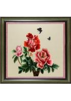 Вышитая картина «Пионы и бабочки»