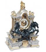 """Кабинетные часы с маятником """"Пара черных лошадей"""""""