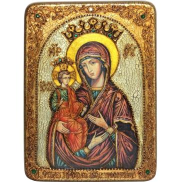 Икона Божией Матери «Троеручица» в деревянной шкатулке