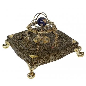 Настольные часы «Глобус», кабинетные, на фигурной подставке
