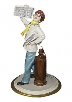 Фарфоровая статуэтка «Продавец газет»
