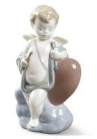 Фарфоровая статуэтка «Купидон»