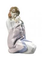 Фарфоровая статуэтка «Моя малышка»
