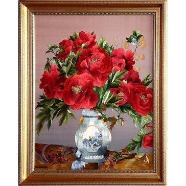 Вышитая шелковыми нитями картина «Маки в голубой вазе»