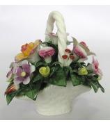 Фарфоровая корзинка с цветами