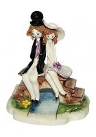 Фарфоровая статуэтка «Влюбленные на мосту»