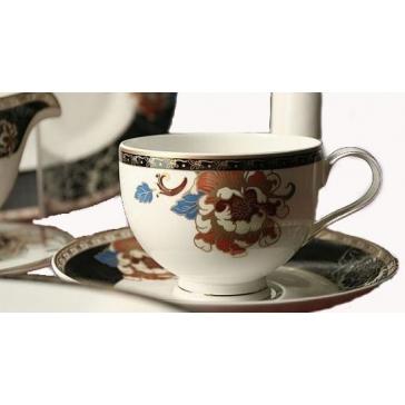 Фарфоровый столовый сервиз на 6 персон «Сказочный цветок»