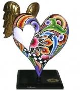 Большое сердце с крыльями