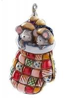 Елочная игрушка «Мышки в рукавичке»