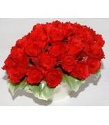 Фарфоровая статуэтка «Букет алых роз»