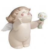 Фарфоровая статуэтка «Ангелочек с букетом»