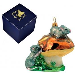 Елочная игрушка из стекла «Мышки на грибе», ручная работа