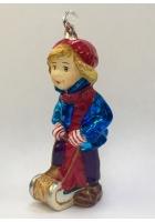 Елочная игрушка «Мальчик с санками»
