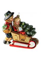 Елочная игрушка «Викторианская пара в санях»