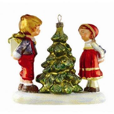 Елочная игрушка с росписью «Дети у ёлочки», размер 11,5 х 12,5 см