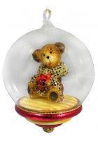 Елочная игрушка-глоба «Медвежонок в шубе»