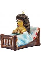 Ёлочная игрушка «Ежик в кровати»