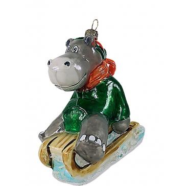 Елочная игрушка «Бегемотик на саночках», художественная роспись