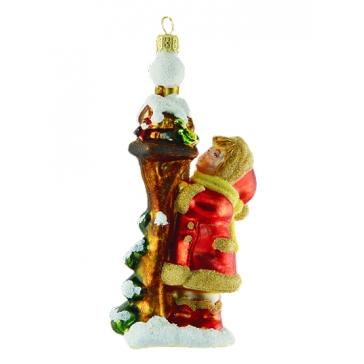 Стеклянная ёлочная игрушка «Девочка с кормушкой», 13х7 см, Komozja и Mostowski