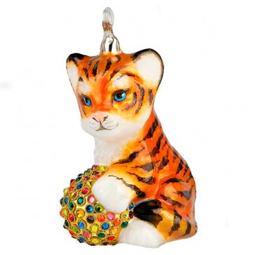 Стеклянная ёлочная игрушка со стразами Swarovski «Тигрёнок с мячиком»