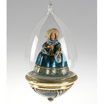 Стеклянная ёлочная игрушка-глоба ручной работы «Дама в пышном платье»