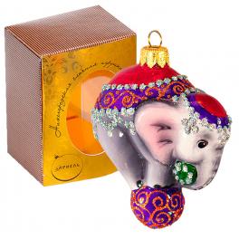 Стеклянная ёлочная игрушка «Цирковой слонёнок» ручной работы