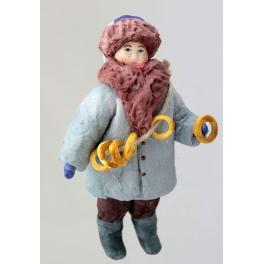 Ватная ёлочная игрушка «Мальчик с баранками»